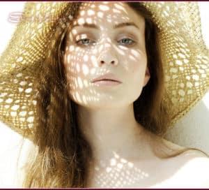 Можно ли использовать средства с ретинолом летом?